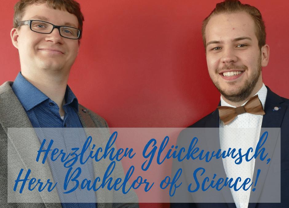 Herzlichen Glückwunsch, Herr Bachelor!